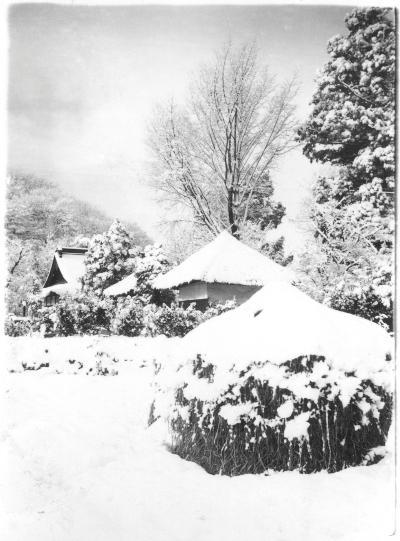 雪の宝泉寺 1955頃