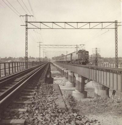 中央線多摩川鉄橋 1959頃(2)