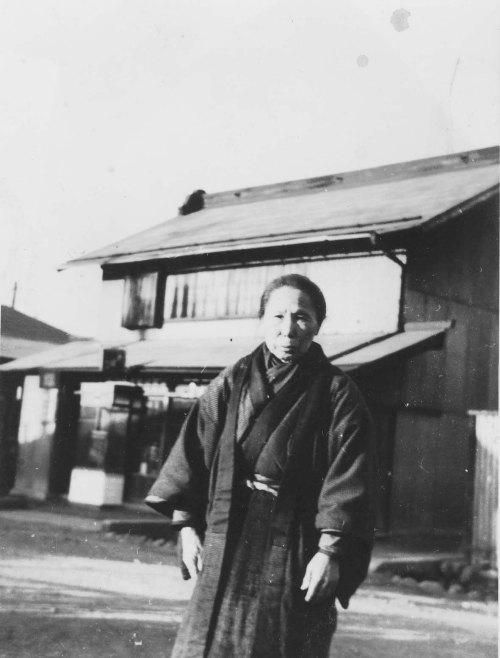 大屋前 - 志村さんのおばあさん 1939頃