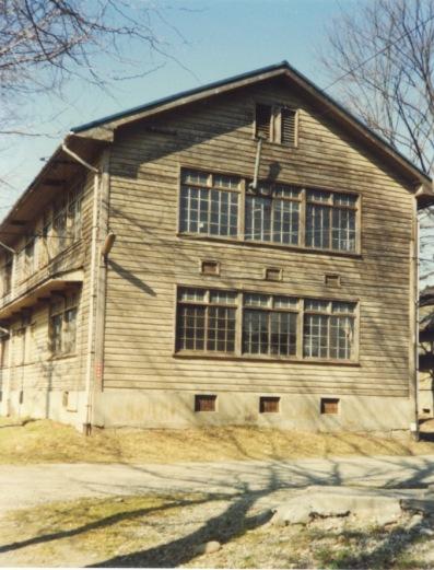 蚕糸試験場日野桑園蚕室 1978