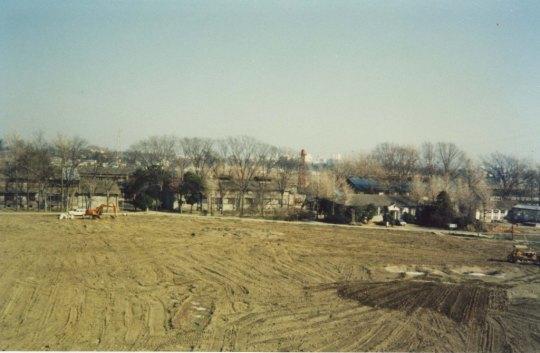 スポーツ公園整地 ‐ 蚕糸試験場日野桑園跡地 1980(2)