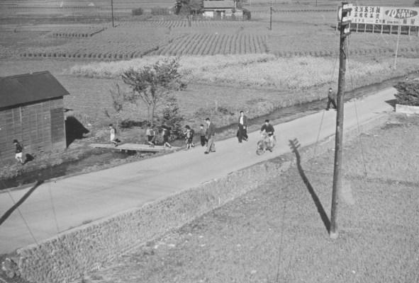 日野駅西側現生協前通り 1956