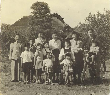成就院前で 1953