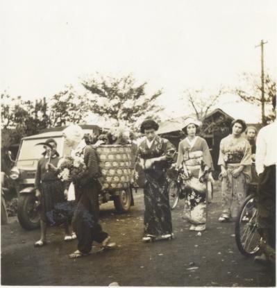 日野ヂーゼル仮装行列 1956(7)花嫁