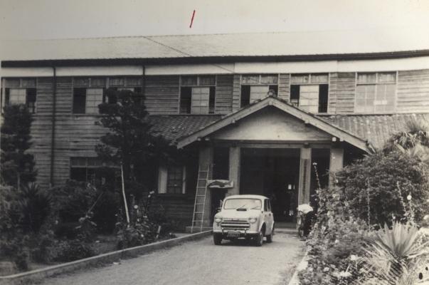 一小玄関 1959