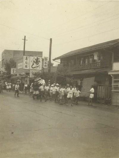 八坂神社の祭り 1953(1)子どもの先触れ太鼓