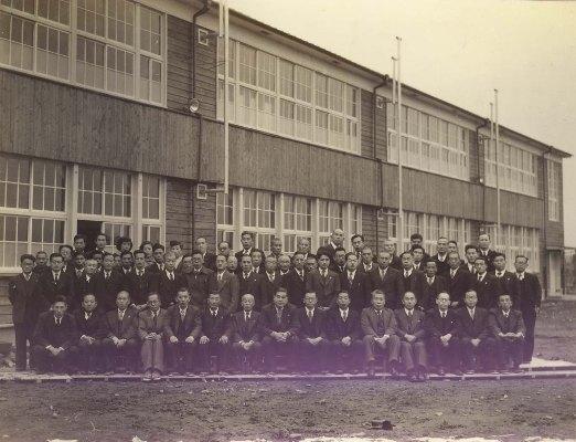 日野小学校増築校舎完成記念写真 1952