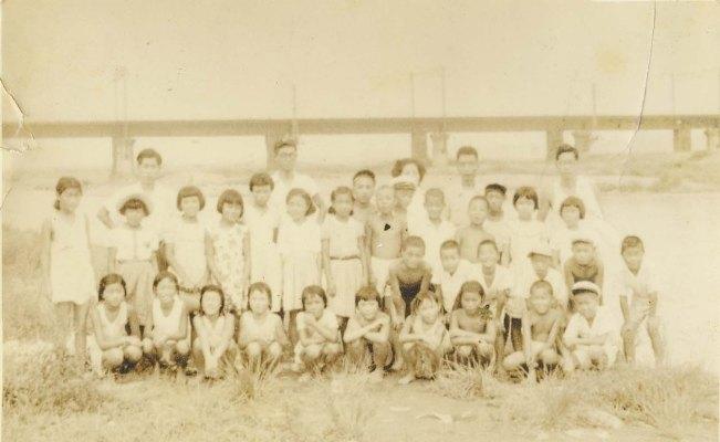 日野小学校5年生‐学校ホテル 1952(2)多摩川