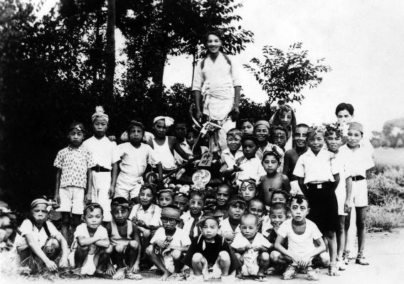 坂神社の祭り 1946 -仲町子ども神輿