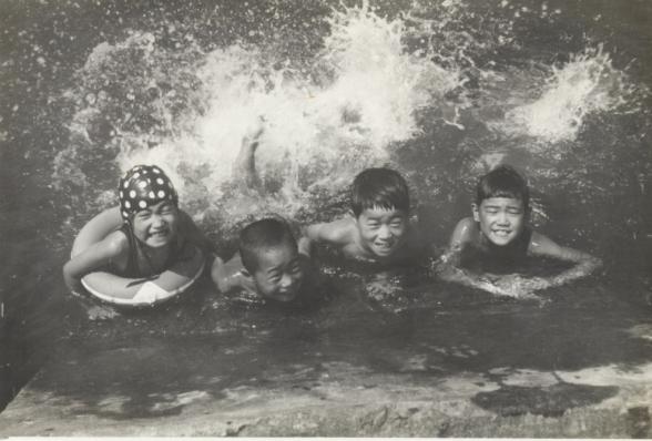 多摩川での川遊び - 子どもたち 昭和30年代