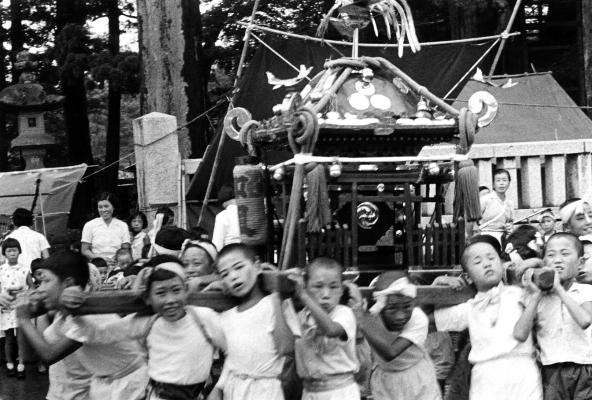 八坂神社の祭り 1955(7)加組子ども神輿
