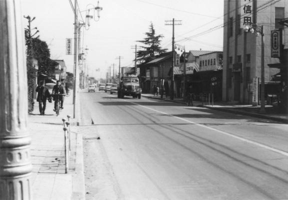 甲州街道 - 振興信用組合付近 昭和30年代か