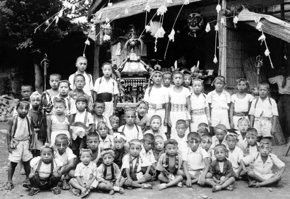 八坂神社の祭り 1948頃 - 四ッ谷の子どもたち