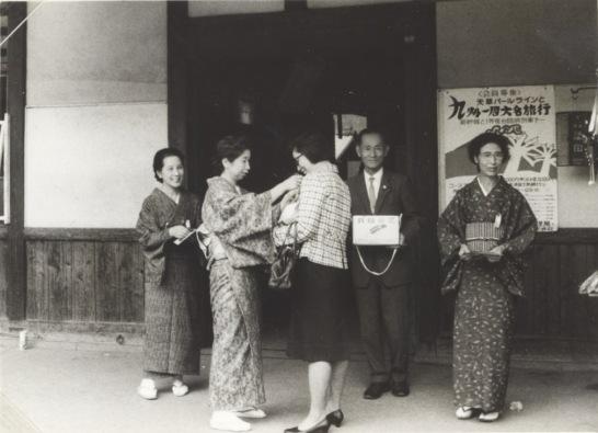 赤い羽根募金(民生委員)1967 - 日野駅
