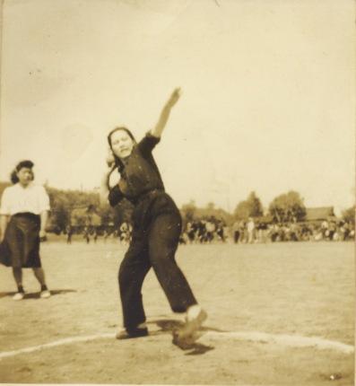 部落対抗運動会 - 砲丸投げ 昭和20年代