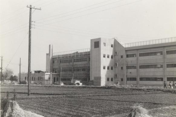一小新校舎 - 西側 1966頃