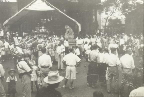 八坂神社の祭り 1954(2)八坂神社境内