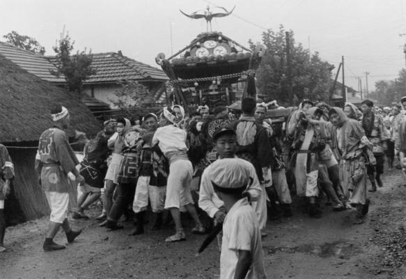 八坂神社の祭り 1955(36)宮神輿 - 横町