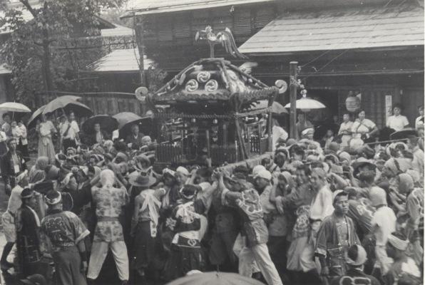 八坂神社の祭り 1955(15)オリオン前