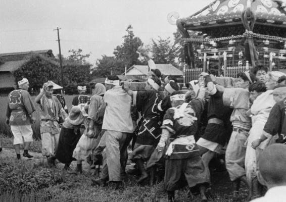八坂神社の祭り 1955(23)宮神輿 - 四ツ谷新道