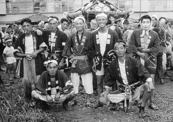 八坂神社の祭り 1955(25)宮神輿 - 神鋼電機寮前