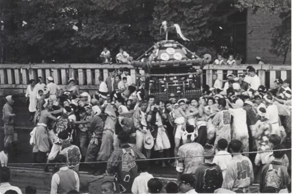 八坂神社の祭り 1955(29)宮神輿 - 八坂神社前