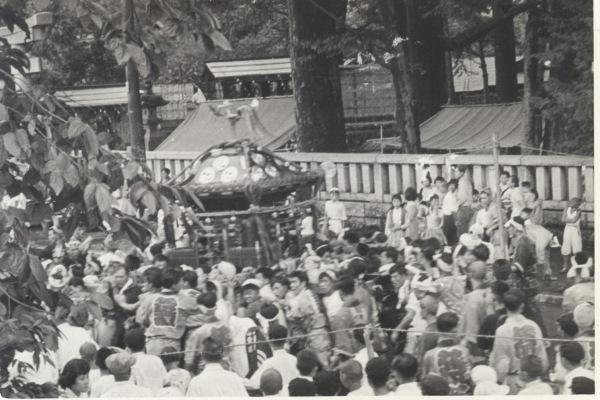 八坂神社の祭り 1955(30)宮神輿 - 八坂神社前