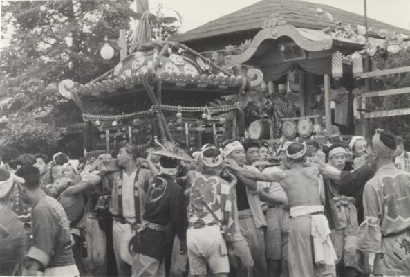 八坂神社の祭り 1955(31)宮神輿 - 仲町