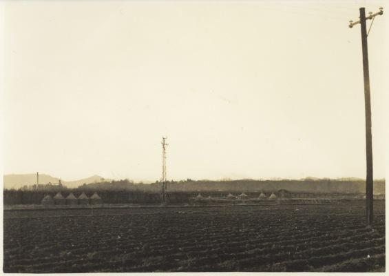 第一日野万生沼和彦宅前辺りより谷仲山(オリエント時計)、富士山方面を望む 1957