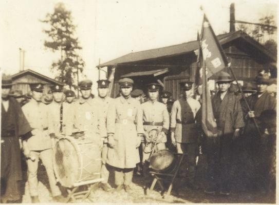 加組の楽隊 1936頃(2)日野停車場?