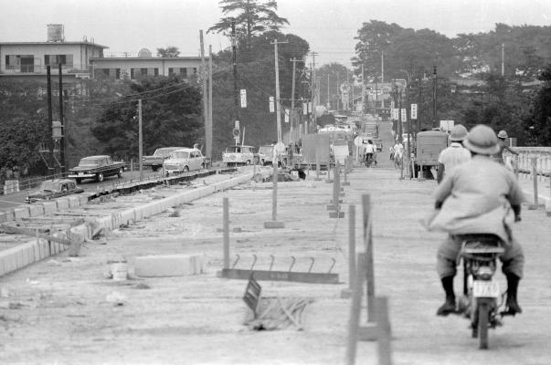 日野橋拡巾工事 1963(2)