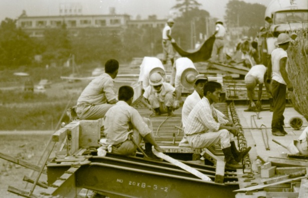 日野橋拡巾工事 1963(3)