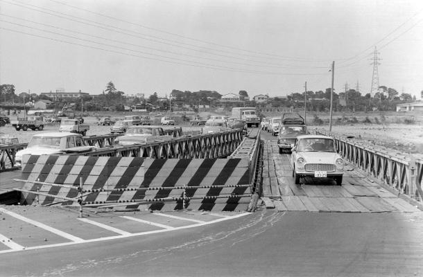 日野橋拡巾工事 1963(3)仮設橋
