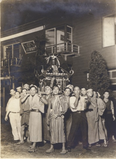 仲町の神輿 1941 or 1942