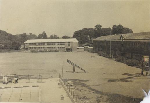 日野小 ‐ 校舎、校庭、プール 昭和30年前後か
