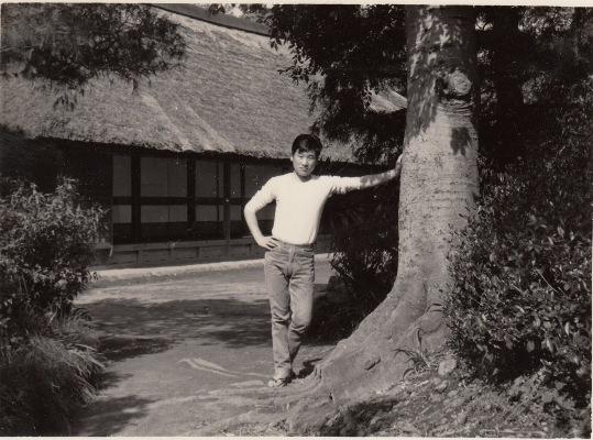 旧岩澤泰宏宅前にて 1959頃