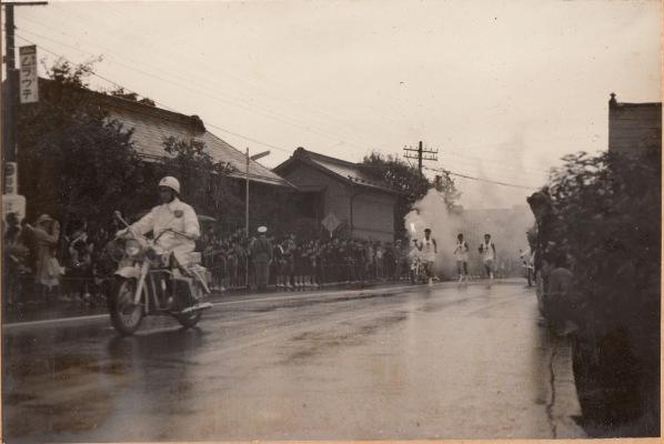 東京オリンピック 聖火リレー 1964(20)滝瀬家付近