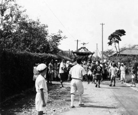 八坂神社の祭り 1952頃 ‐ 宮神輿 ‐ 万願荘