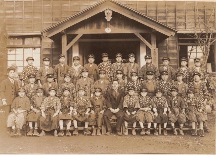 日野尋常高等小学校卒業記念写真帖 1927(3)男組