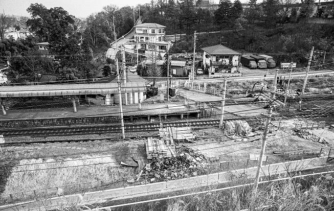 日野駅南踏切 1981 閉鎖後