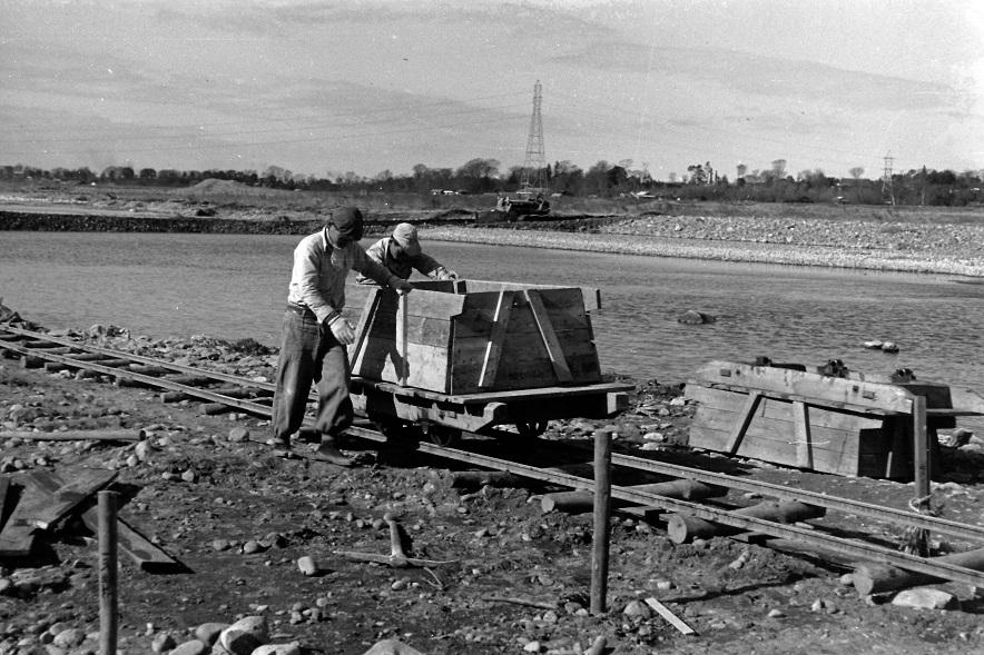 堤防修復工事 1955頃(2)