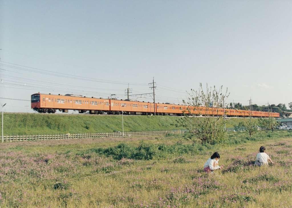 日野駅北西四ッ谷側から見た中央線 昭和50年代(カラー)