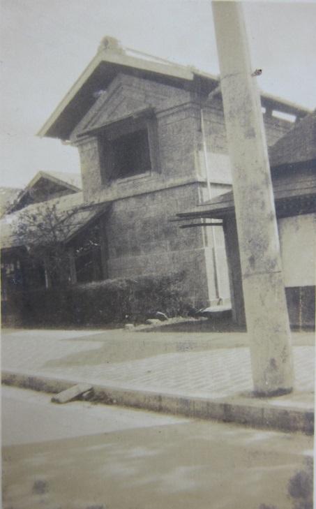 土方家の石蔵-下町