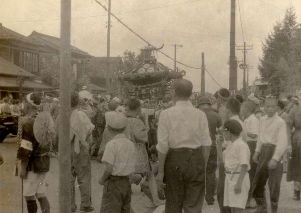 宮神輿の渡御‐下町 昭和20年代