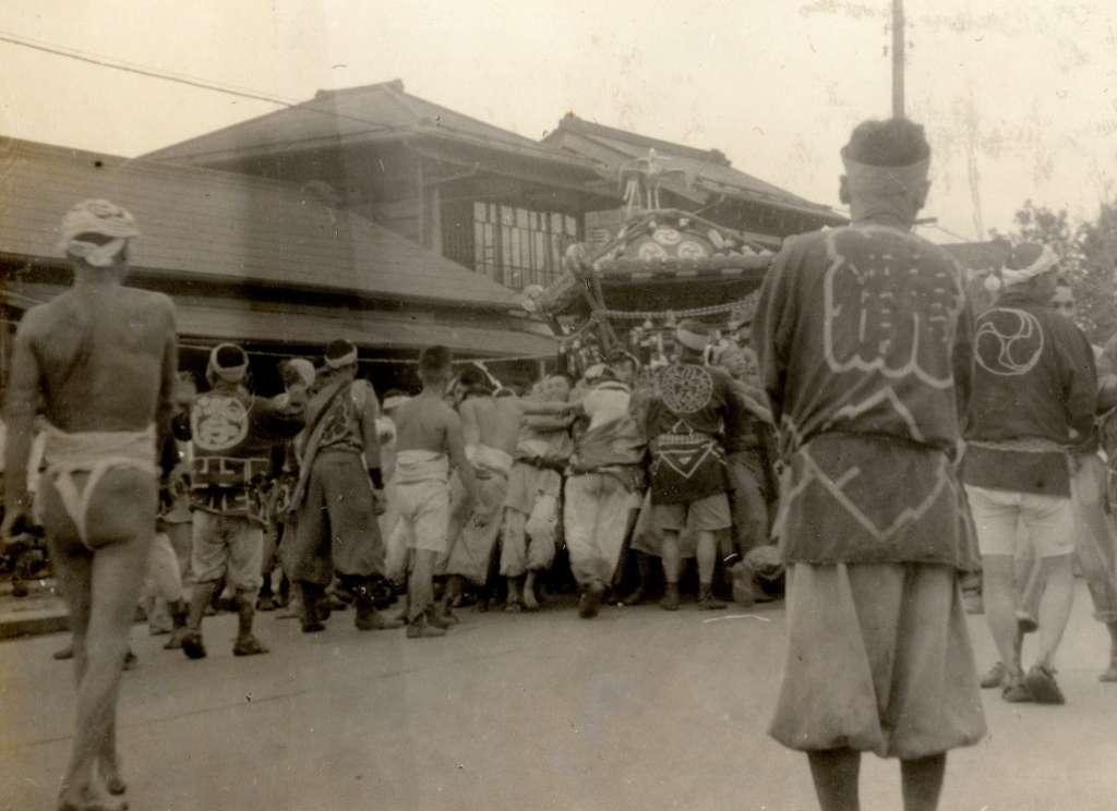 宮神輿の渡御‐下町(2) 昭和20年代