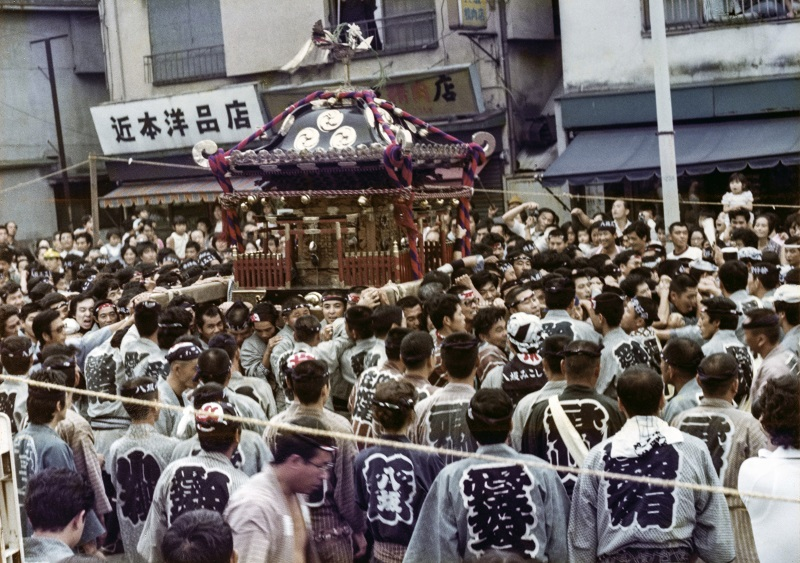 宮入間近の宮神輿 1976-09